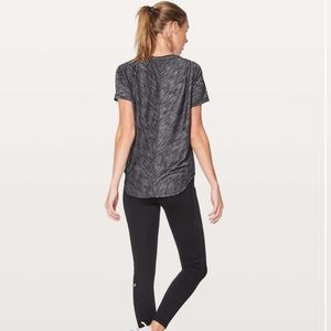 Lululemon Meant To Move Tee